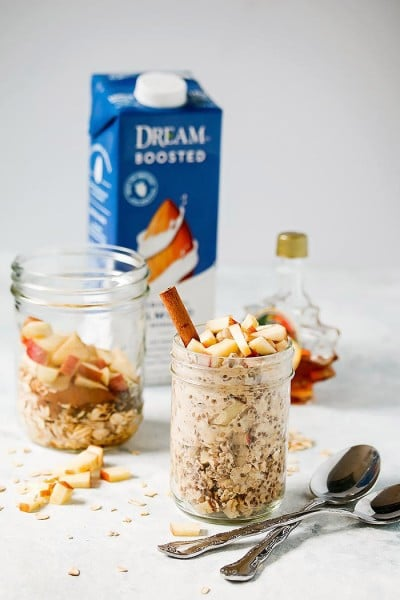 Easy Overnight Oats with Apples, Cinnamon and Dream Boosted Almond