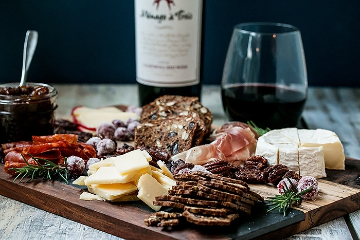 5 Easy Steps to Creating the Perfect Cheese Platter