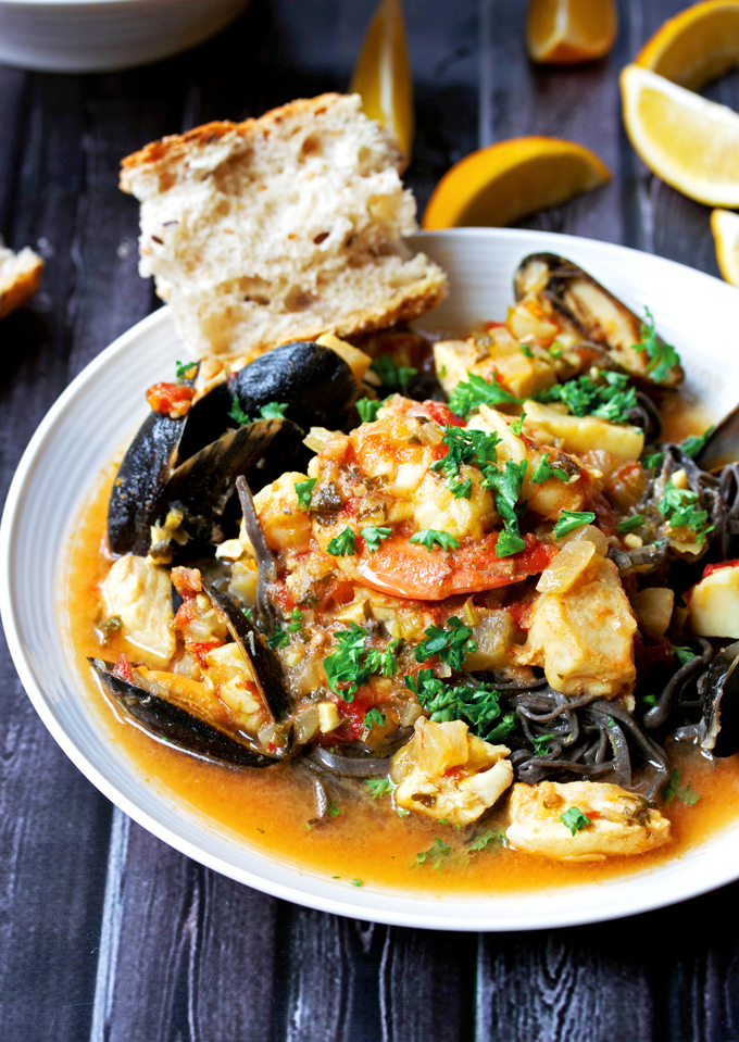 mussels in saffron and white wine broth recipe dishmaps mussels ...