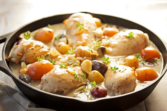 Bone-In Chicken & Potatoes in Wine Sauce