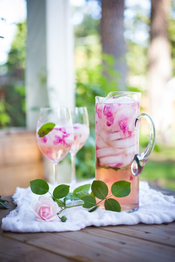 Rose-Petal-Sangria---Feasting-at-Home