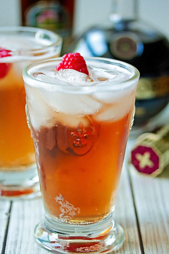 Rasberry & Ginger Beer Cocktail